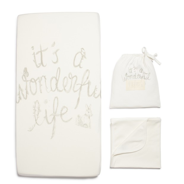 UWF133_Bassinet_sheet_set_Wonderful_Life